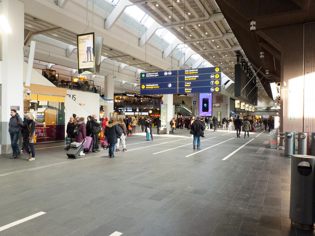 Tag 10: Bahnhofsbesichtigung