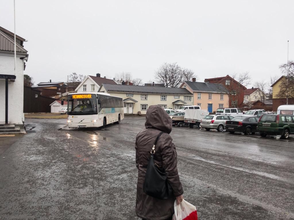 Tag 18: Busfahrt nach Henningsvær