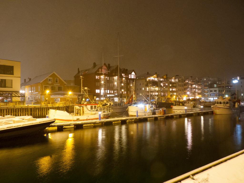 Tag 19: Nachtfotos in Svolvær