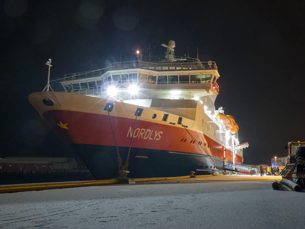 Tag 19: Das Hurtigruten-Schiff kommt vorbei