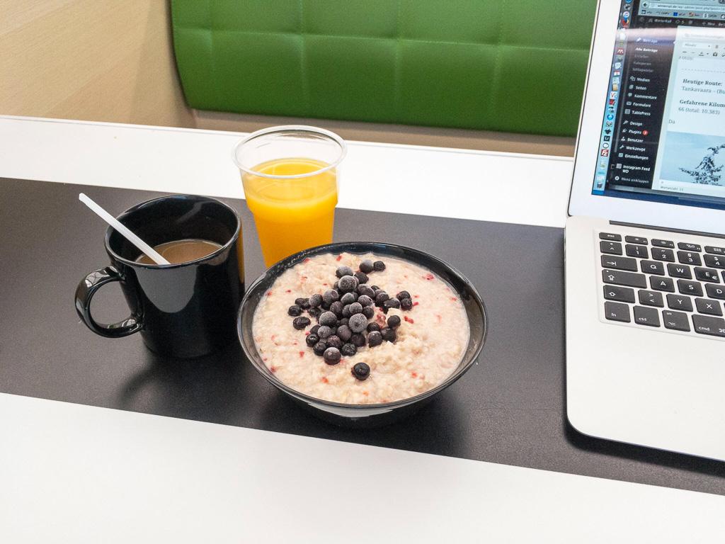 Tag 32: Frühstück im Speisewagen