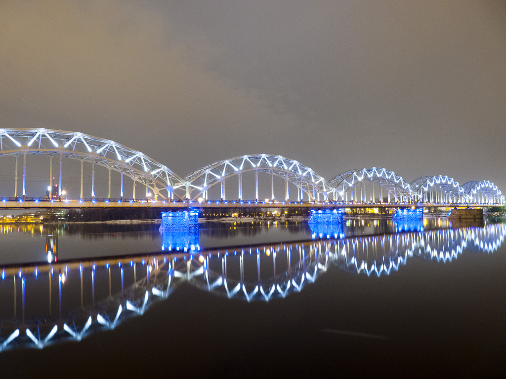 Tag 39: Riga bei Nacht – An der Daugava